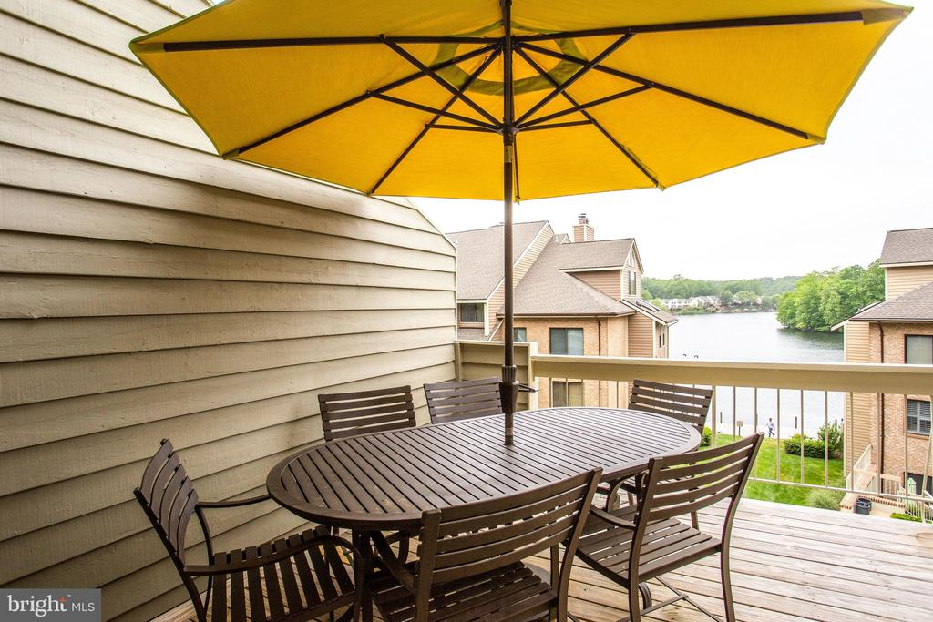 Large Balcony w/Lake Views-Perfect for Entertainin - 11218 HARBOR CT, RESTON