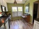 Large window and accent shutters - 5508 KENDRICK LN, BURKE