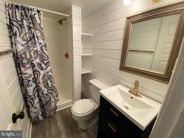 Full bathroom with shower - 5508 KENDRICK LN, BURKE