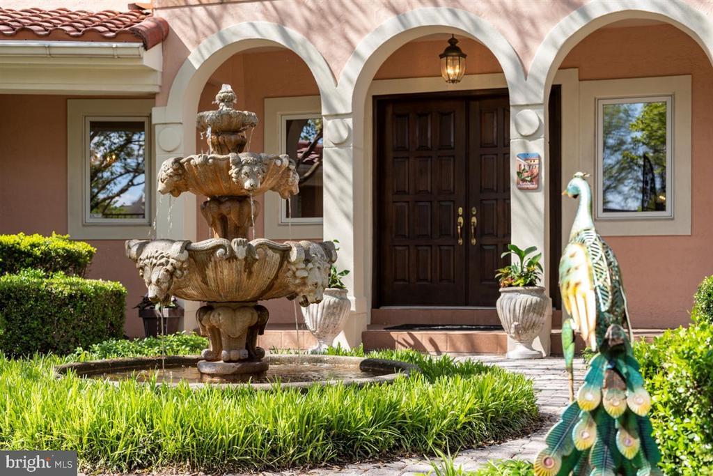 Custom designed courtyard water fountain. - 6072 WHITE FLINT DR, FREDERICK