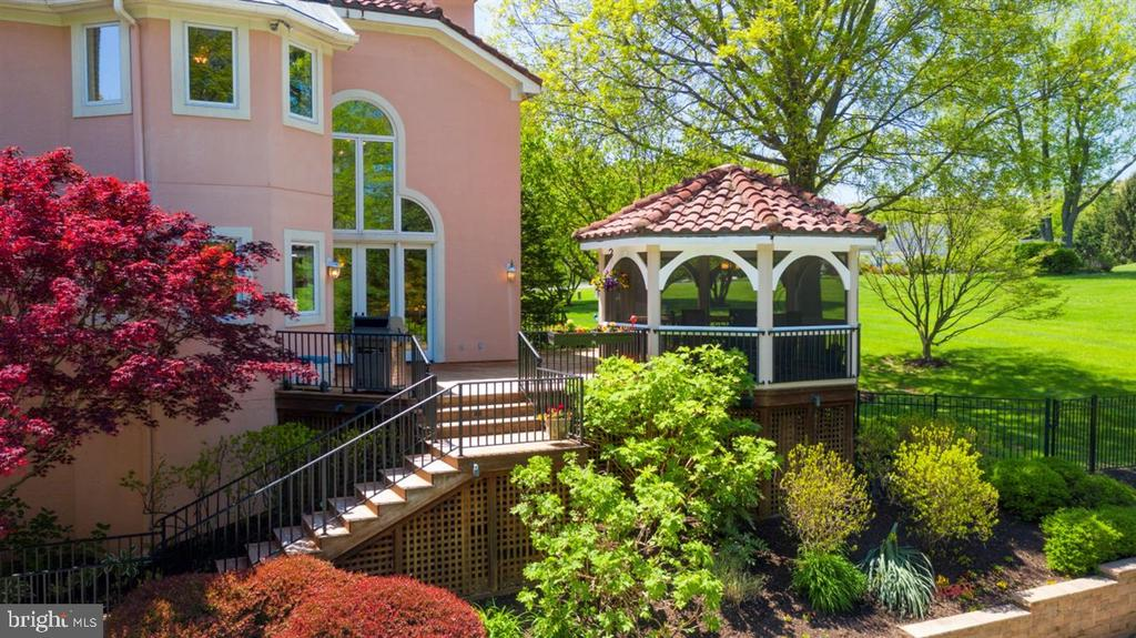 Lovely landscaping throughout. - 6072 WHITE FLINT DR, FREDERICK