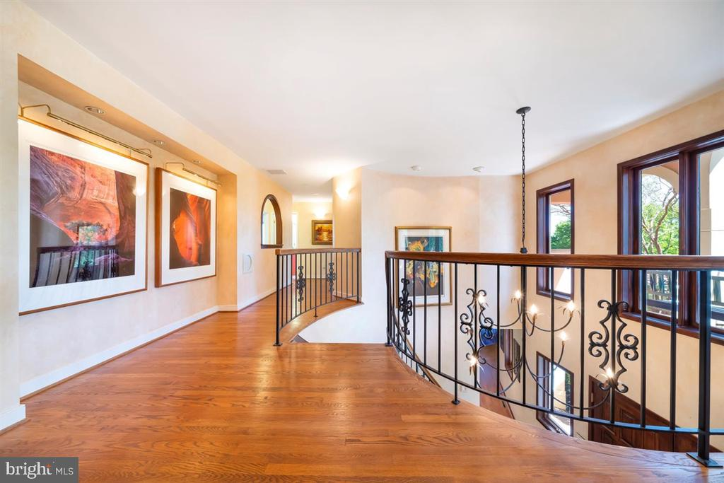 Hardwood floors, wrought iron railings & sunlight - 6072 WHITE FLINT DR, FREDERICK