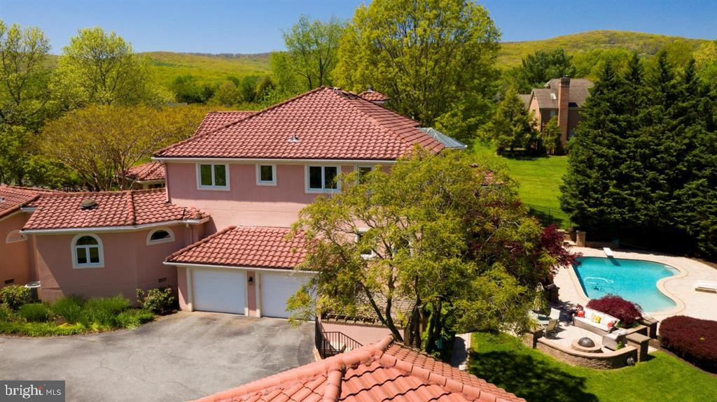Roof is made of manufactured concrete tiles. - 6072 WHITE FLINT DR, FREDERICK