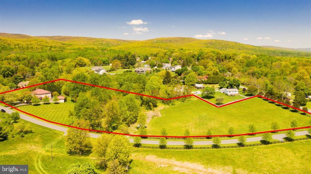 Lovely 6.28 acres w/ stream along back wooded edge - 6072 WHITE FLINT DR, FREDERICK