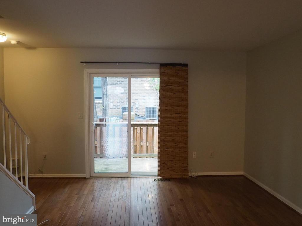 Living Room 1 - 3957 9TH RD S, ARLINGTON