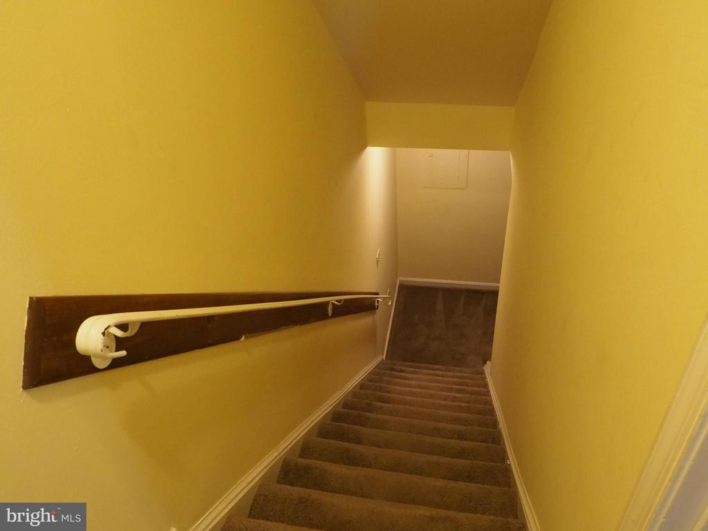 Stairs go down - 3957 9TH RD S, ARLINGTON