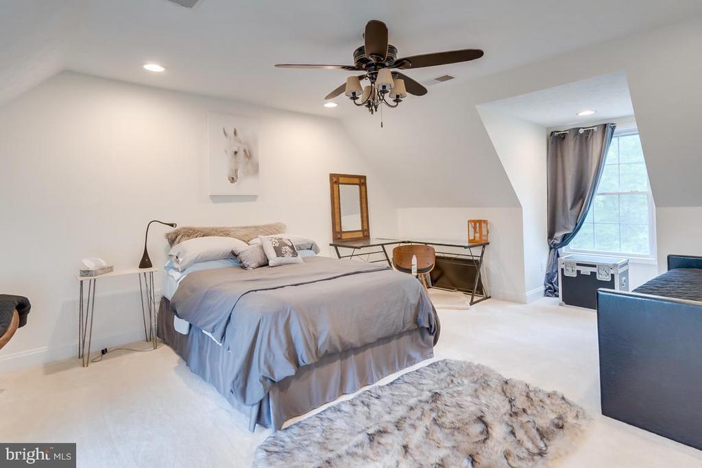 4th Bedroom on Upper Level. - 1065 MOUNTAIN VIEW RD, FREDERICKSBURG