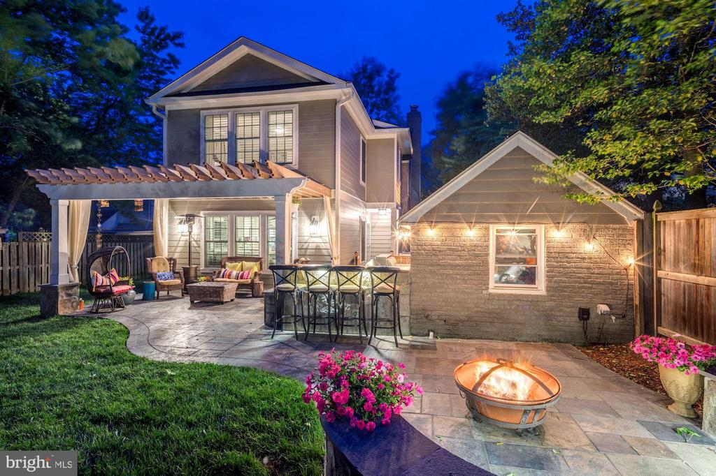 Spectacular outdoor living space - 2429 DAVIS AVE, ALEXANDRIA