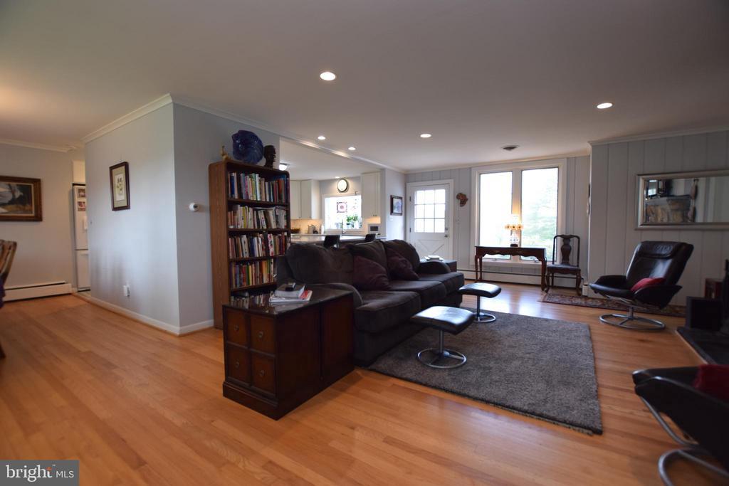 Wonderful Open Floor Plan - 3001 GILLIS FALLS RD, MOUNT AIRY