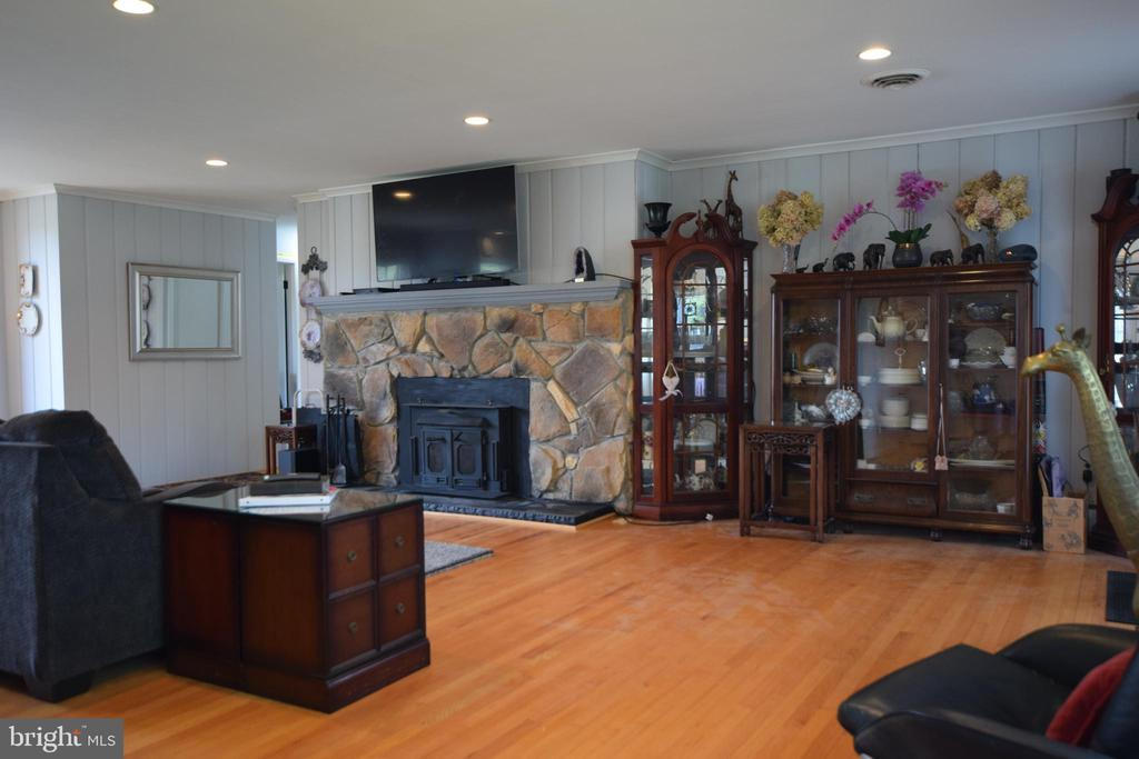Family Room - 3001 GILLIS FALLS RD, MOUNT AIRY