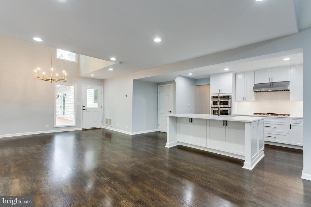 View of Kitchen and Breakfast Room - 5125 37TH ST N, ARLINGTON