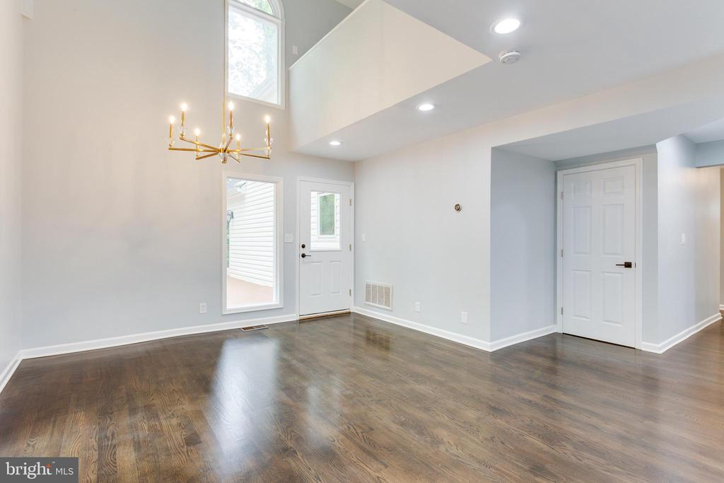 Breakfast Room with Cathedral Ceiling - 5125 37TH ST N, ARLINGTON