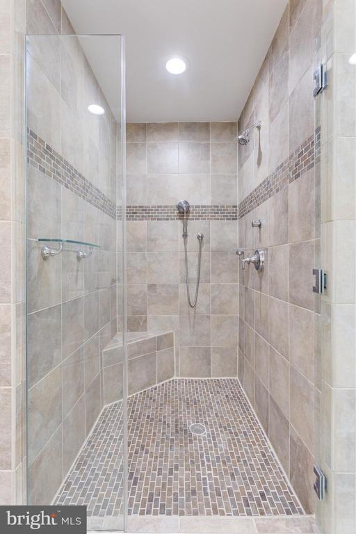 Master Shower - 5125 37TH ST N, ARLINGTON