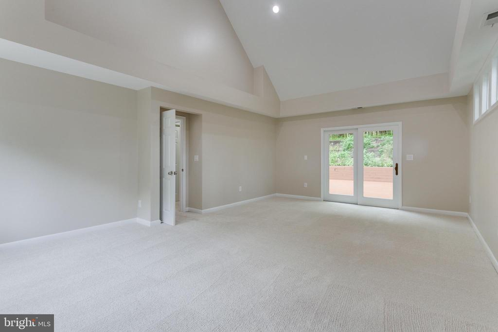 Master Bedroom with Private Access to Deck - 5125 37TH ST N, ARLINGTON