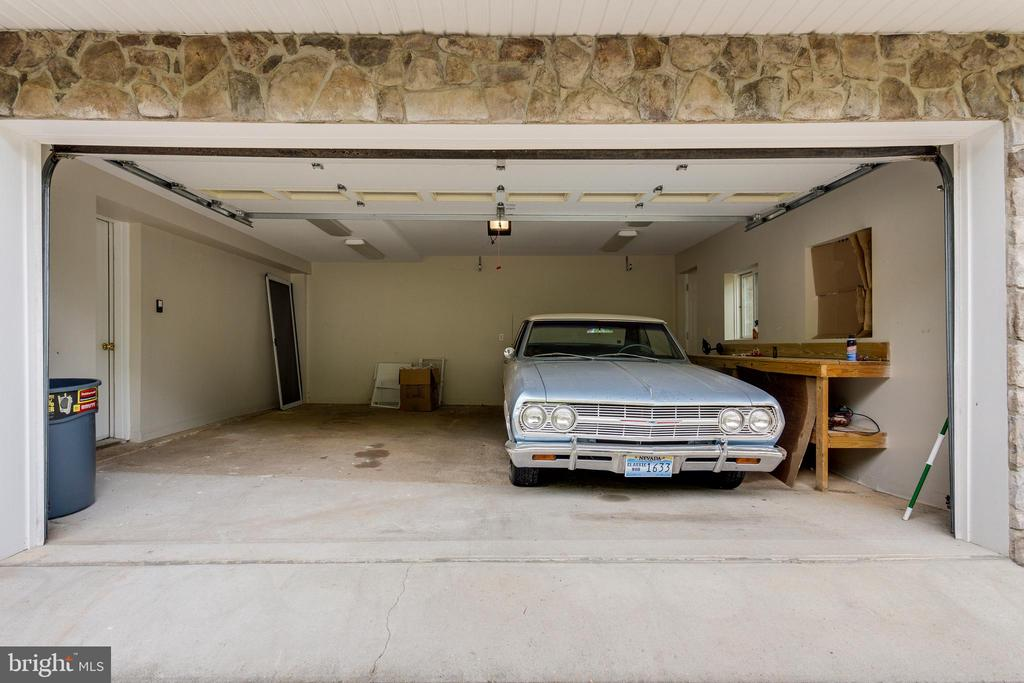 Two Car Garage with Work Bench - 5125 37TH ST N, ARLINGTON