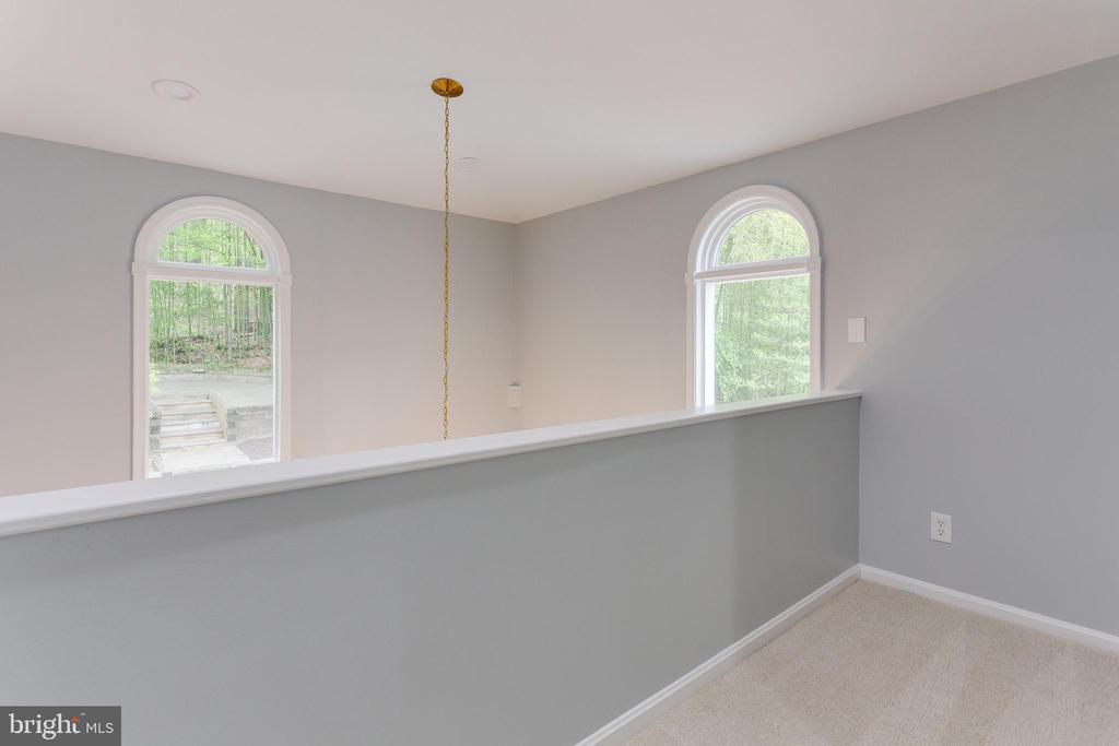 Upper Level -- View into Breakfast Room - 5125 37TH ST N, ARLINGTON