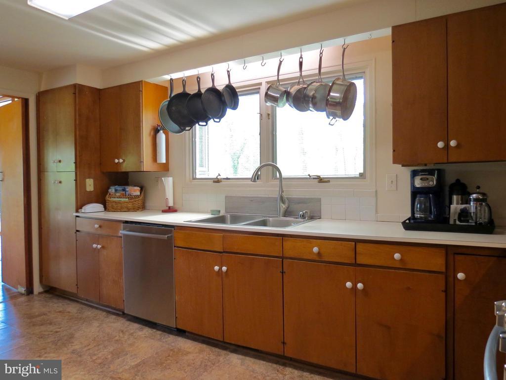 Kitchen - 140 HORSESHOE HOLLOW LN, WASHINGTON