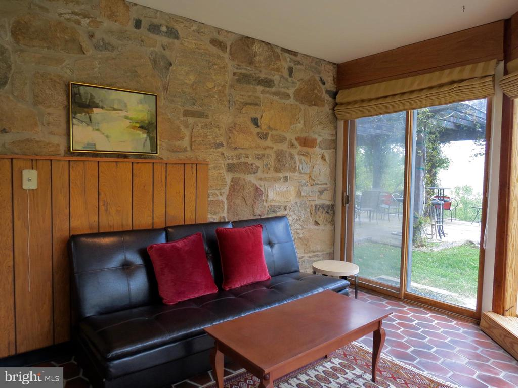 Sunroom with access to patio - 140 HORSESHOE HOLLOW LN, WASHINGTON