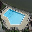 Great view of the pool - 501 SLATERS LN #703, ALEXANDRIA