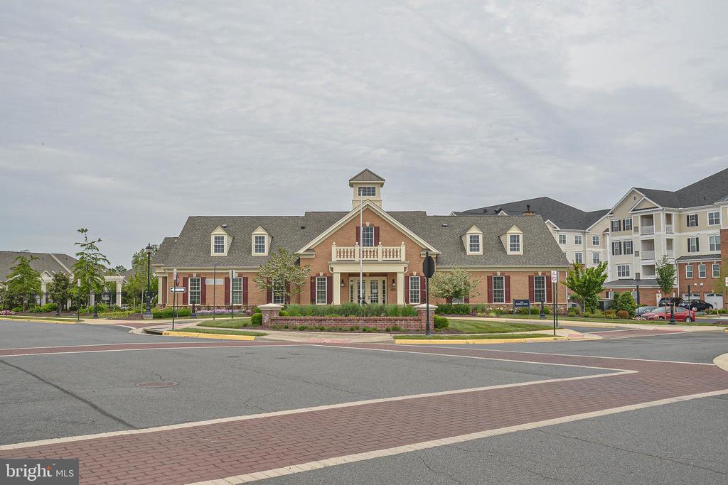Club house ...right across the street - 20981 ROCKY KNOLL SQUARE #107, ASHBURN