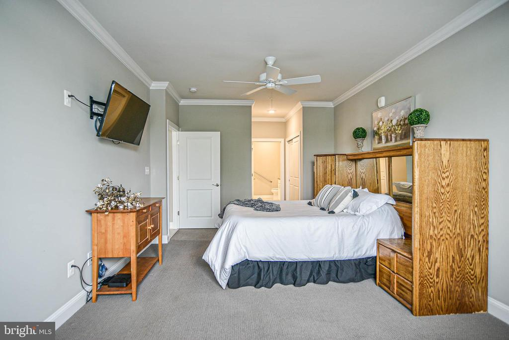 19 x 12.. this is a spacious room. - 20981 ROCKY KNOLL SQUARE #107, ASHBURN