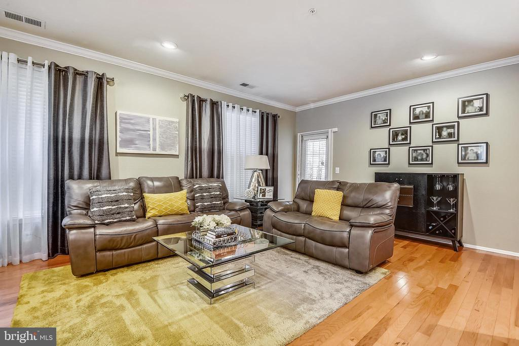 Living Room - 11800 OLD GEORGETOWN RD #1222, ROCKVILLE