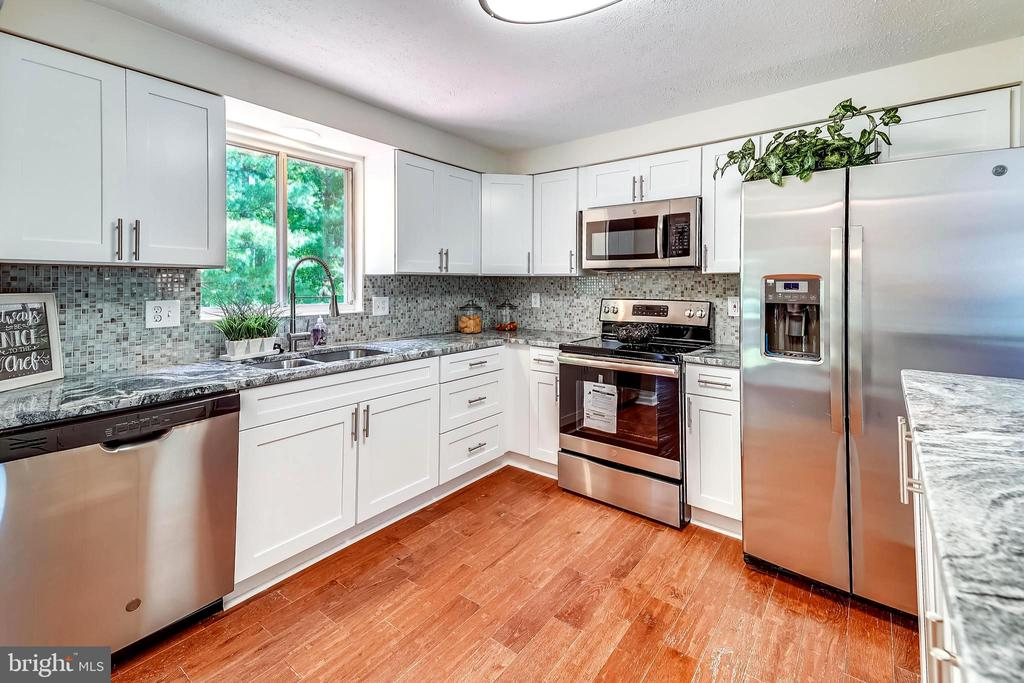 kitchen - 11501 SCOTTSBURY TER, GERMANTOWN