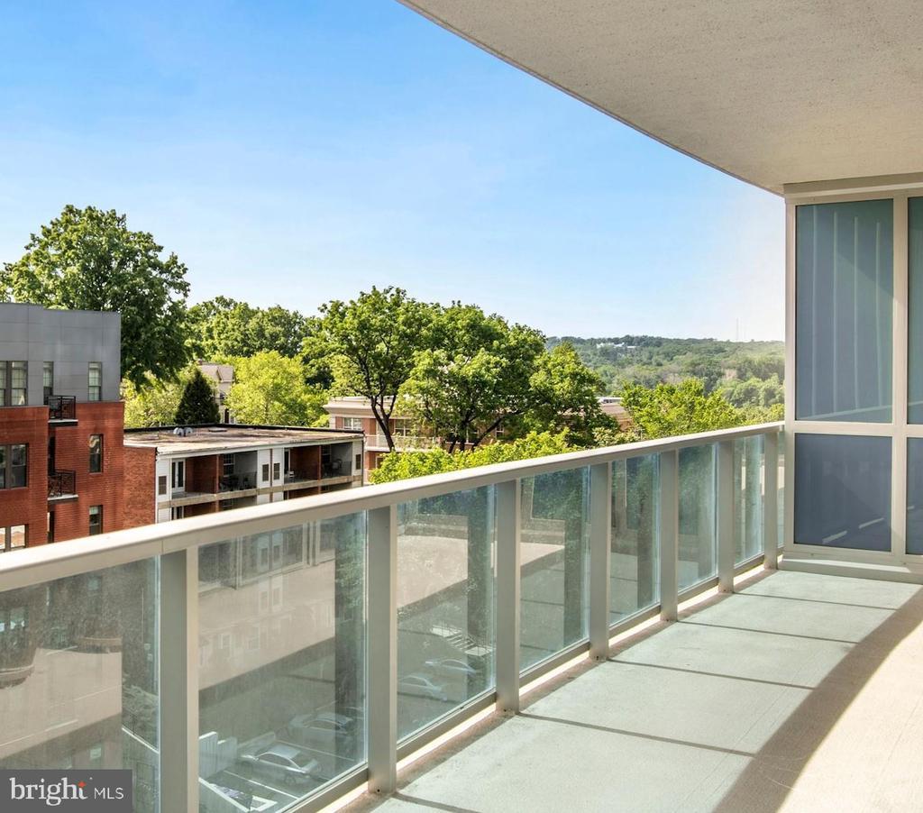 256 square feet Terrace - 1881 N NASH ST #804, ARLINGTON