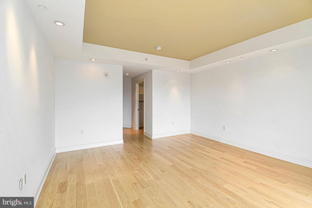 Master Suite with 2 walk-in Closets - 1881 N NASH ST #804, ARLINGTON