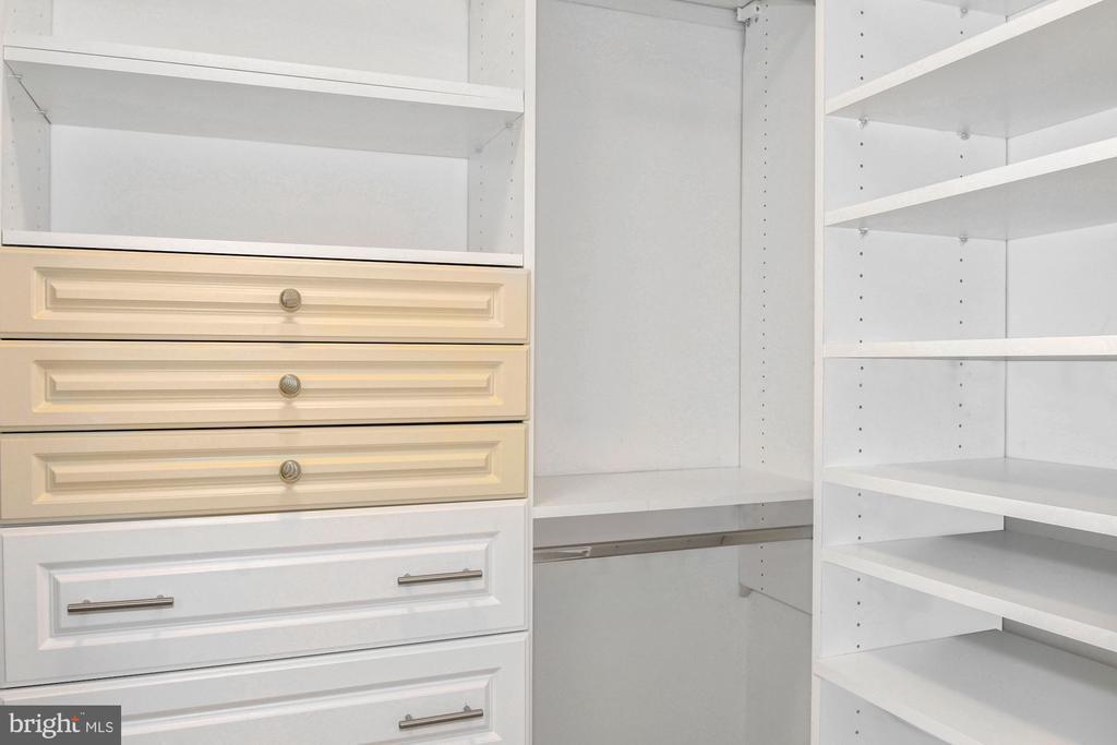 Master Custom Closet #2 - 1881 N NASH ST #804, ARLINGTON