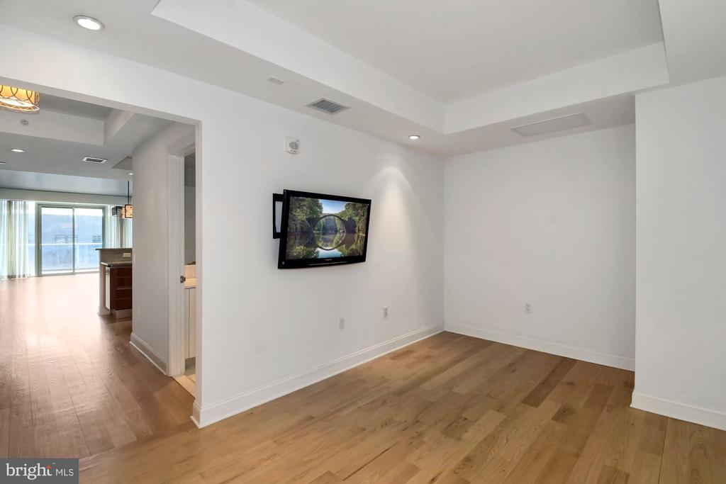 Private Den/Media Room - 1881 N NASH ST #804, ARLINGTON