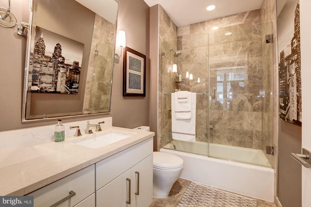 Bathroom - 7171 WOODMONT AVE #507, BETHESDA