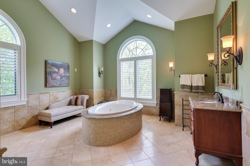 Master Bath - 809 HOMESTEAD LN, CROWNSVILLE