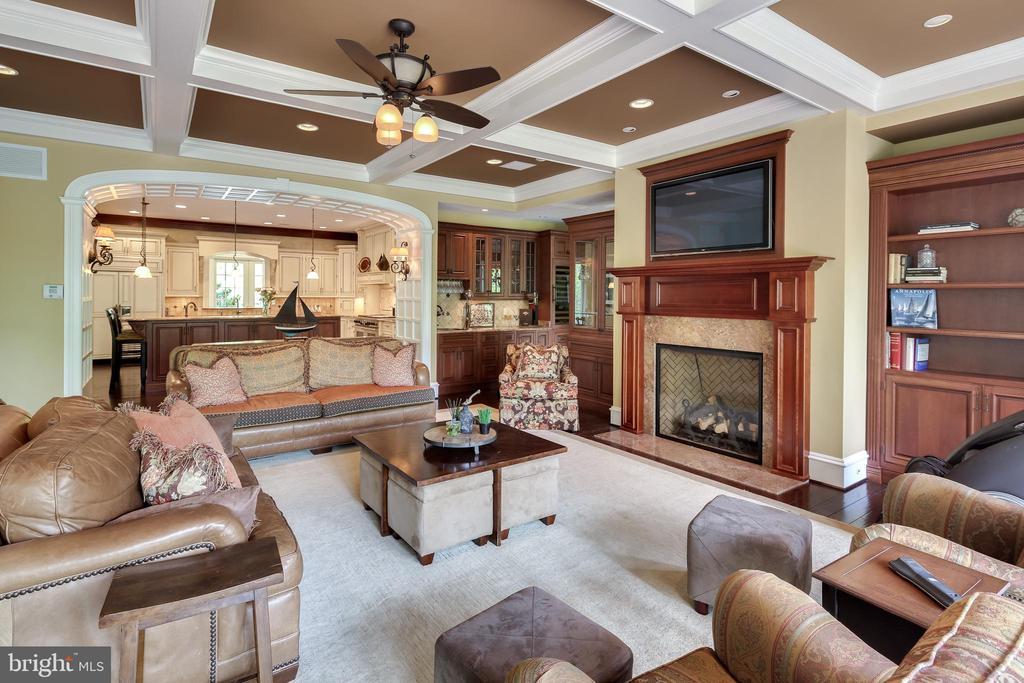 Living Room - 809 HOMESTEAD LN, CROWNSVILLE