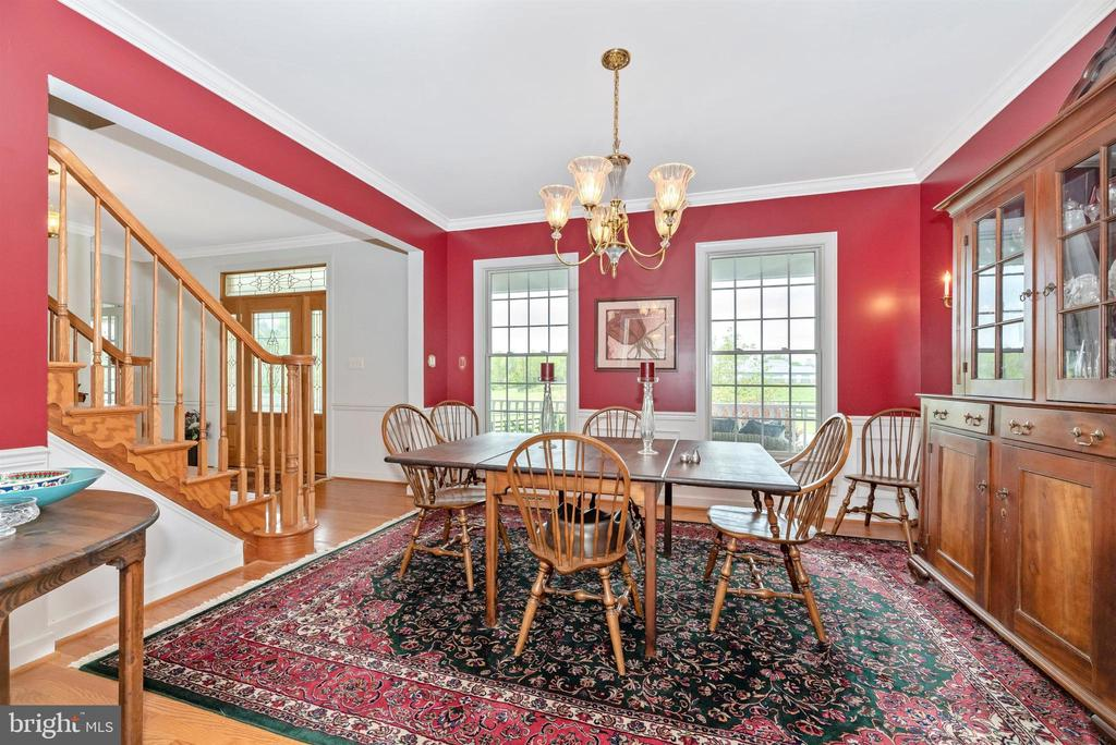 classic dining room - 6950 BURKITTSVILLE RD, MIDDLETOWN