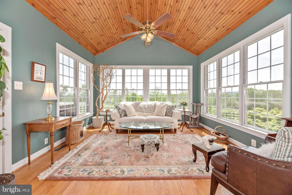 sunroom off family room - 6950 BURKITTSVILLE RD, MIDDLETOWN