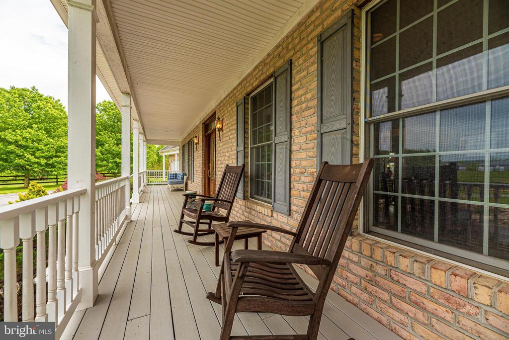 front porch - 6950 BURKITTSVILLE RD, MIDDLETOWN