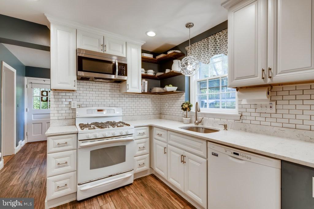 Kitchen - 4501 AMHERST LN, BETHESDA