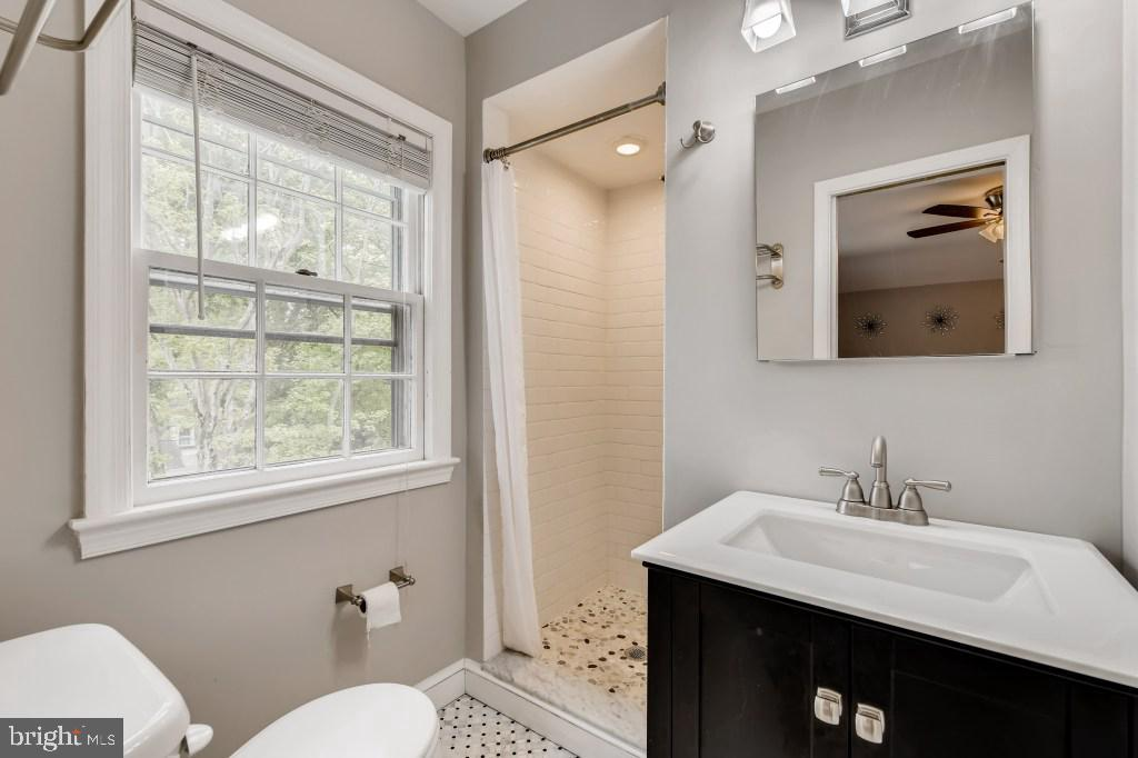Master Bathroom - 4501 AMHERST LN, BETHESDA