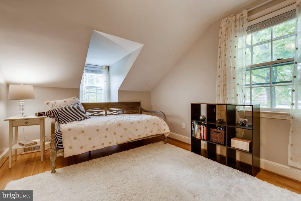 Upper Level Bedroom 3 - 4501 AMHERST LN, BETHESDA
