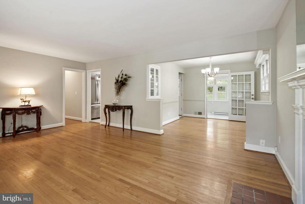 Living Room , with view of Dining Room - 5810 BRADLEY BLVD, BETHESDA