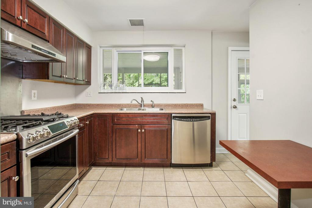 Kitchen with new stove, Refrigerator with icemake - 5810 BRADLEY BLVD, BETHESDA