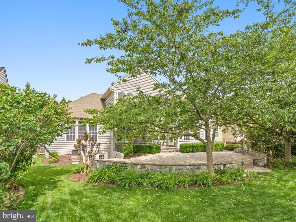 Beautifully Landscaped Rear Yard with Paver Patio - 114 WHEELER LN, FREDERICK