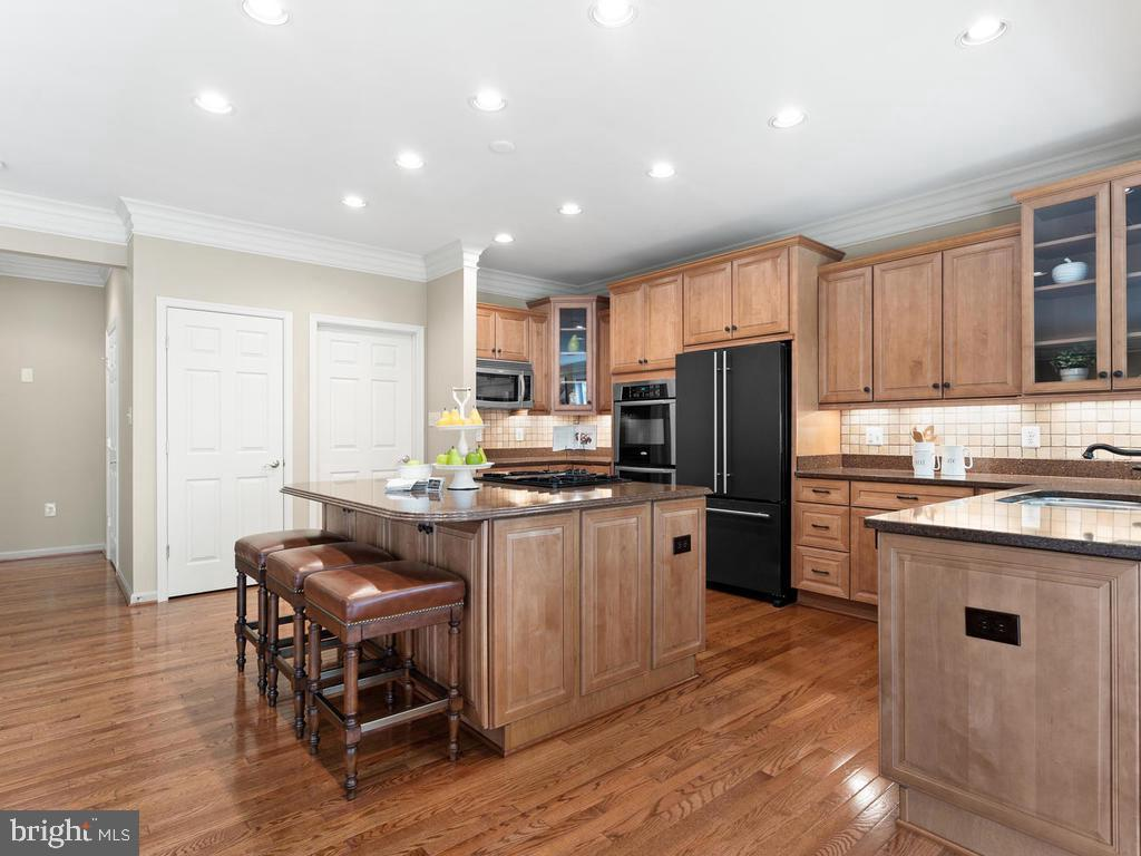 Ample Cabinetry - 114 WHEELER LN, FREDERICK