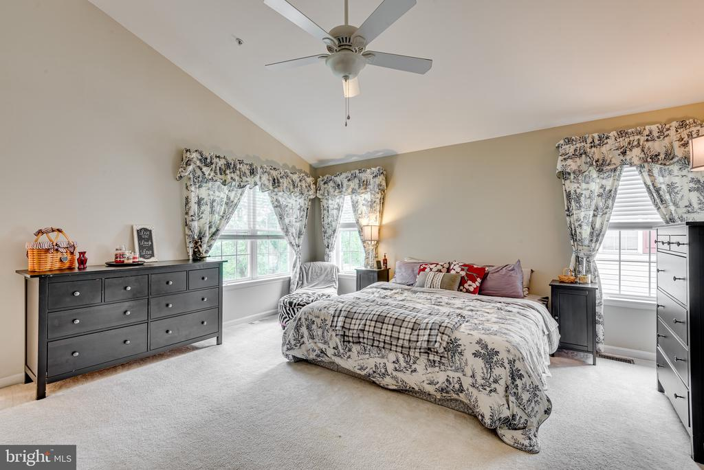 Master Bedroom Suite - 606 ANDREW HILL RD, ARNOLD