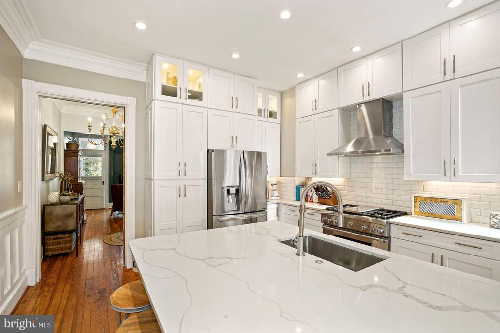Main Level - Gourmet Kitchen with Island - 524 1ST SE, WASHINGTON
