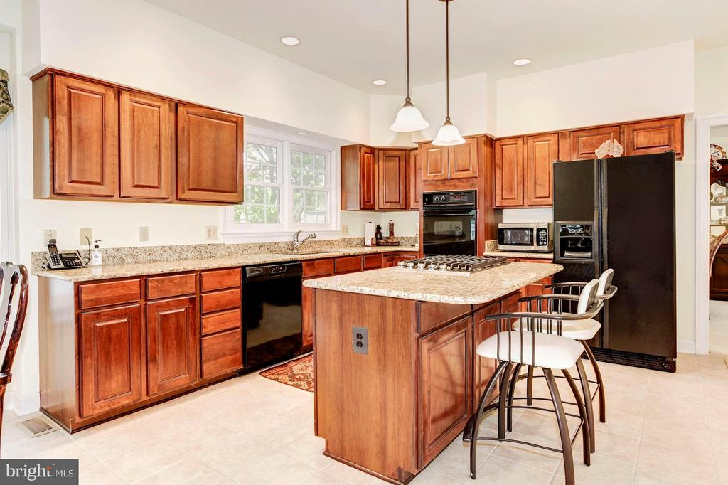 Kitchen - 7104 DUDROW CT, SPRINGFIELD