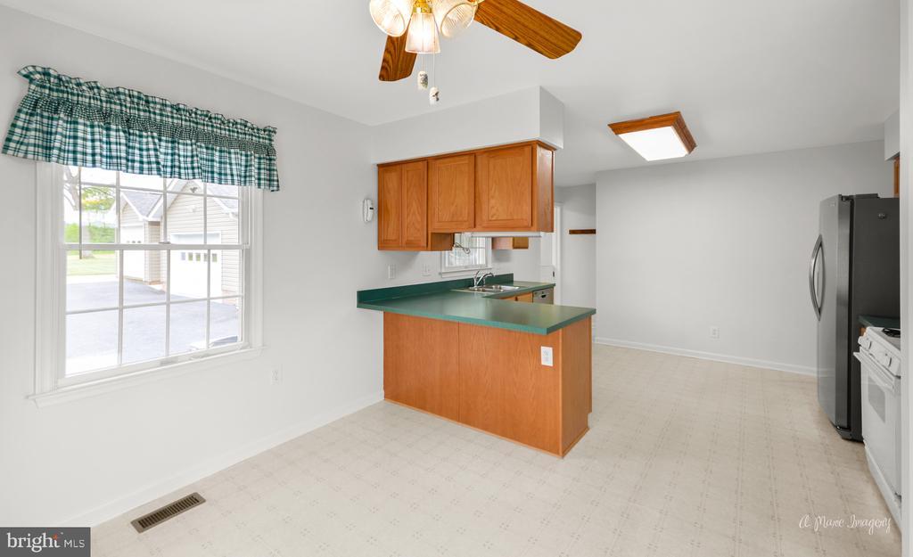 Large Kitchen - 103 S ADAMS ST, WOODSBORO