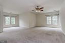 Sprawling Master Suite w| Sitting Area - 6115 HOLLY RIDGE CT, COLUMBIA
