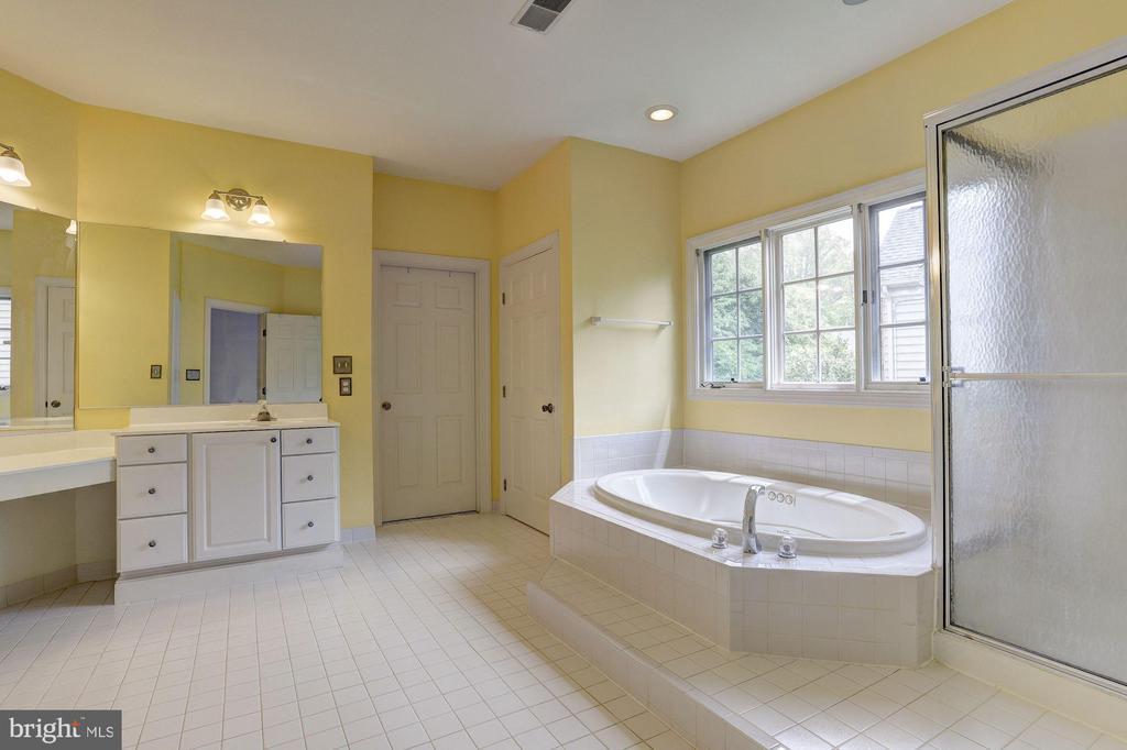 Master Bath - 6115 HOLLY RIDGE CT, COLUMBIA
